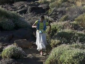 Indígena corriendo una ultramaratón