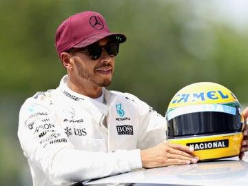 Hamilton, con el caso de Senna