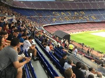 El Camp Nou, casi vacío para ver al Dream Team