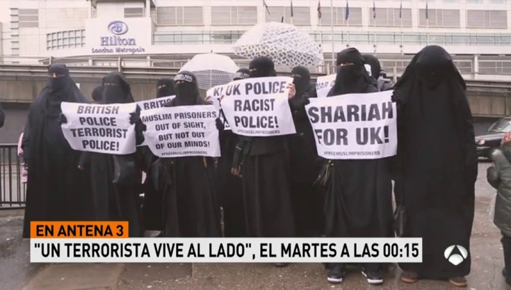 Frame 13.32 de: promoyihadistas