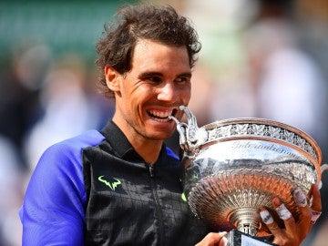 Nadal muerde su décimo Roland Garros