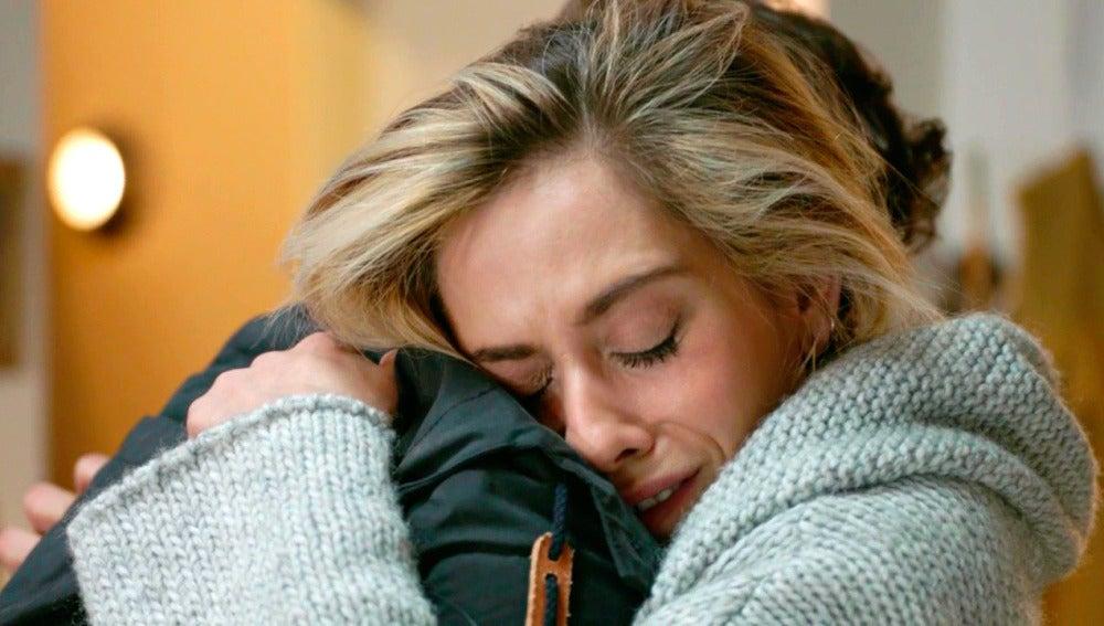 """Carmen llora en brazos de Horacio: """"Iñaki me ha puesto los cuernos"""""""