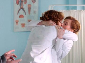 Celia y Dolores hacen público su amor