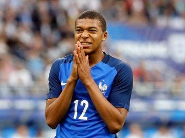 Mbappé, durante un partido con la selección francesa