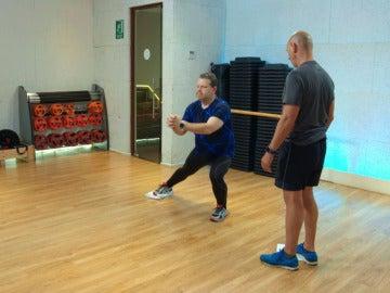 El entrenamiento de Chicote continúa con ejercicios fáciles para hacer en casa