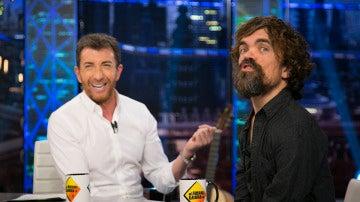 Pablo Motos y Peter Dinklage, 'cerveza en taza' en una de las entrevistas más divertidas de 'El Hormiguero 3.0'