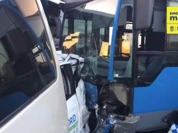15 vehículos y dos autobuses involucrados en un accidente con doce heridos en la madrileña Plaza de Castilla