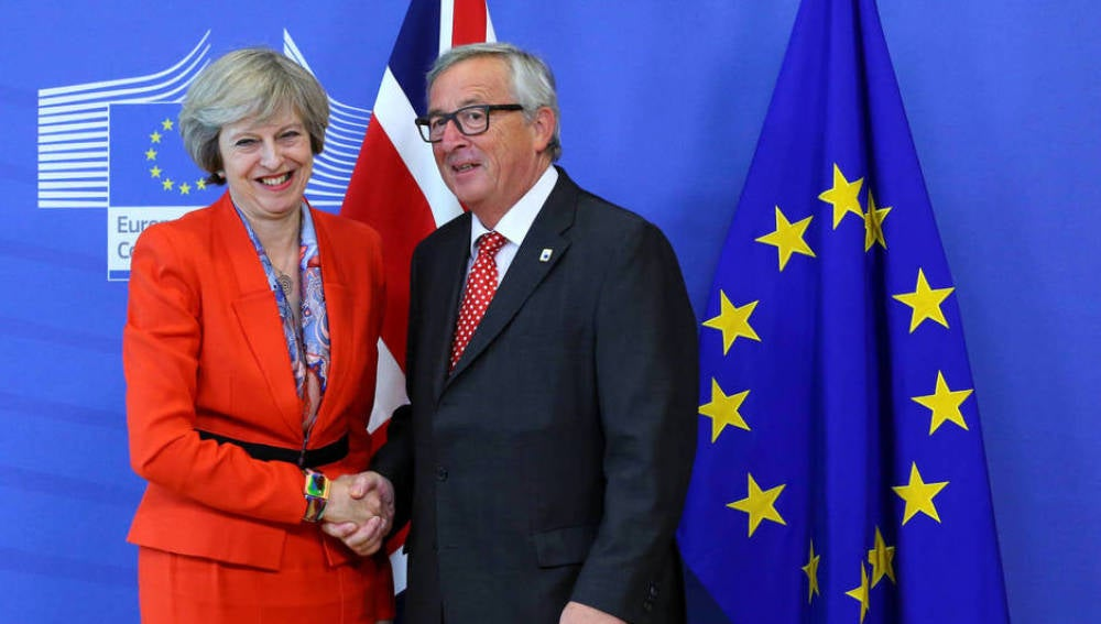 Theresa May y Jean Claude Juncker