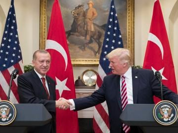 EEUU busca arrestar a 12 agentes turcos y guardaespaldas de Erdogan