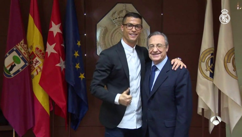Cristiano Ronaldo junto a Florentino Pérez