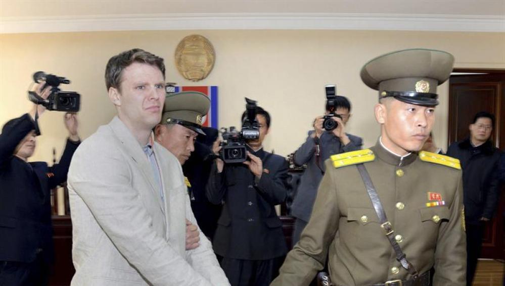 Otto Frederick Warmbier durante su juicio en Corea del Norte
