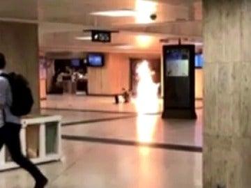 La Policía neutraliza a una persona por provocar una explosión en la estación central de Bruselas