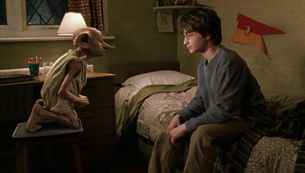 Imagen de Dobby en 'Harry Potter y la cámara secreta'