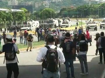 La muerte de un joven supuestamente por las fuerzas de seguridad eleva a 73 los fallecidos en Venezuela