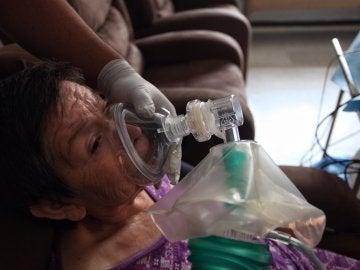 María Dolores Martínez sufre la enfermedad de la ELA