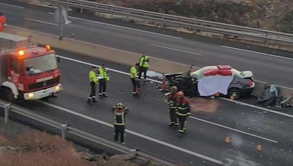 Un kamikaze provoca un accidente mortal en una carretera de Tenerife