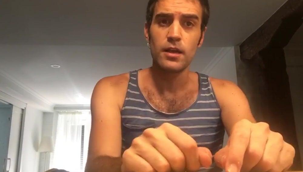Jon Plazaola sorprende sin barba