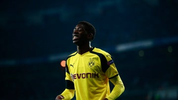 Dembélé, durante un partido con el Dortmund