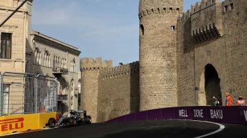 Lewis Hamilton, en el trazado de Bakú