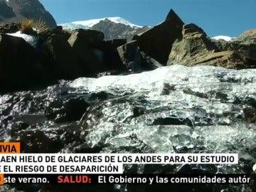 Científicos extraen muestras de hielo de los Andes para su estudio ante el riesgo de desaparición
