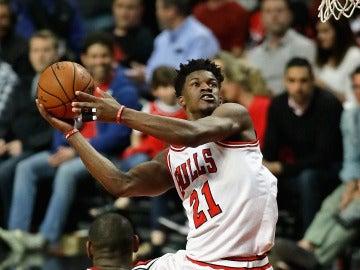 Jimmy Butler, en un partido con los Bulls