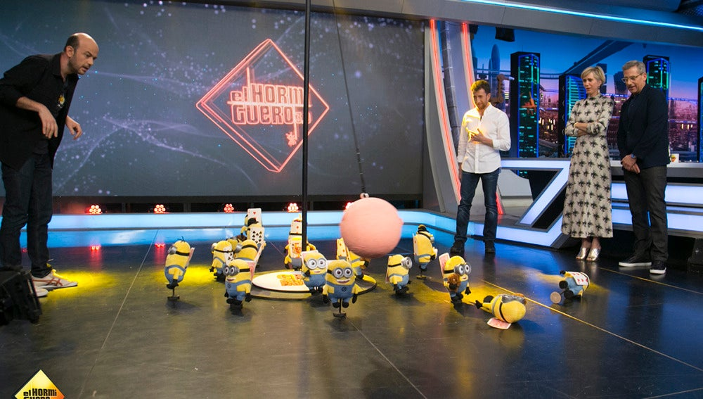 Jandro predice el futuro profesional de Steve Carell y Kristen Wiig