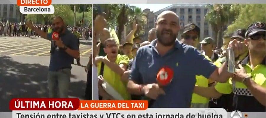 Antena 3 tv agreden al equipo de espejo p blico durante for Ver espejo publico hoy