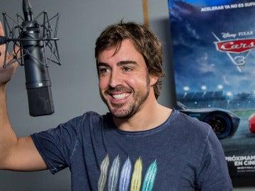 Fernando Alonso en el estudio de doblaje