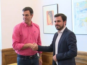 Sánchez culmina con Garzón su primera ronda de contactos políticos