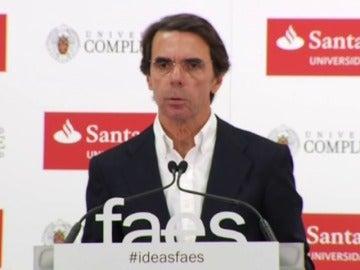 "Aznar aconseja a Rajoy que lidere ""una alternativa"" al independentismo en Cataluña"