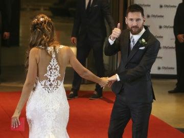 Messi hace el gesto de O.K. a la cámara
