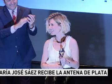 María José Saez recoge la Antena de Plata
