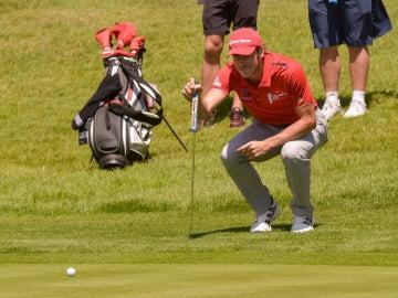 Bale, jugando al golf