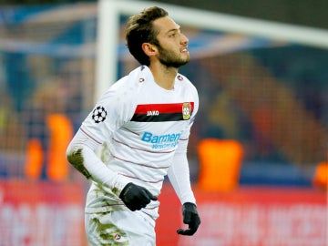 Calhanoglu, con el Bayer Leverkusen