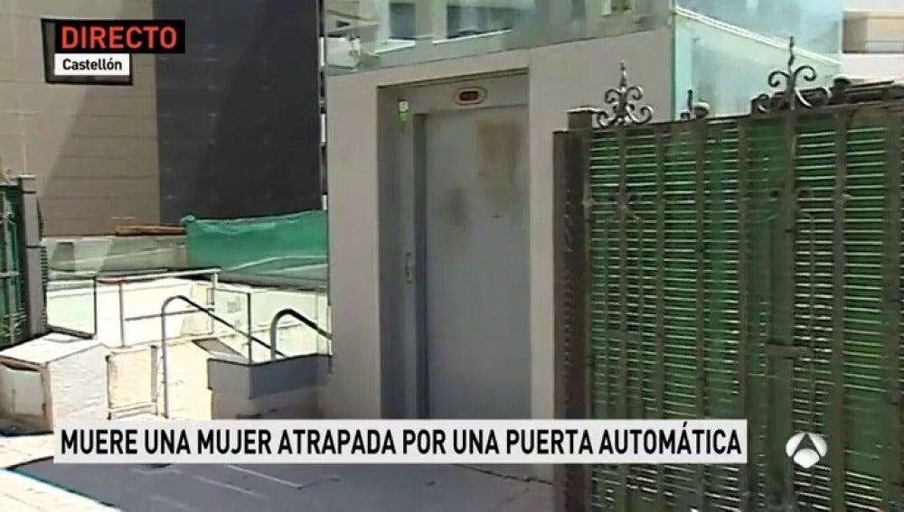Muere una mujer al quedar atrapada por la puerta del aparcamiento del Hospital Provincial de Castellón