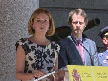 Cospedal recuerda que las Fuerzas Armadas tienen el mandato de proteger la integridad y soberanía de España