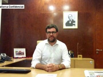 El nuevo alcalde de Palma retira el retrato del Rey de su despacho