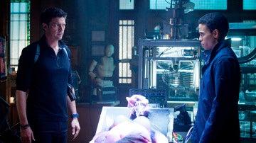 Kennex y Dorian investigan el tráfico ilegal de androides