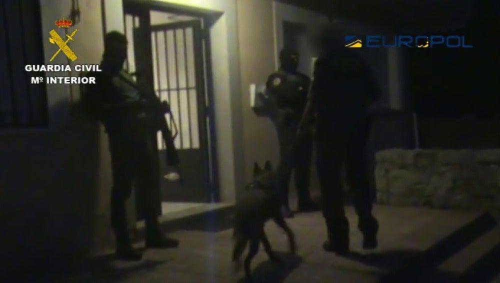Detenido en Madrid un hombre vinculado al aparato de propaganda de Daesh
