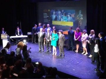 Antena 3 Noticias recibe el premio Alares 2017