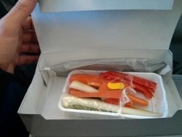 El penoso menú que recibe un pasajero al pedir que fuera vegetariano