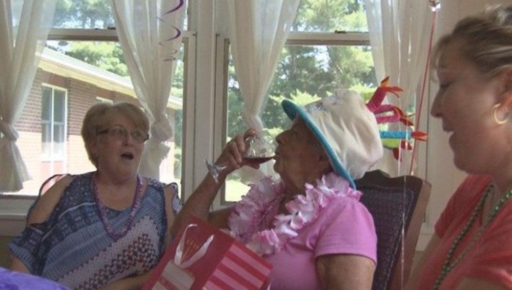 Florence Bearse durante la celebración de su centenario
