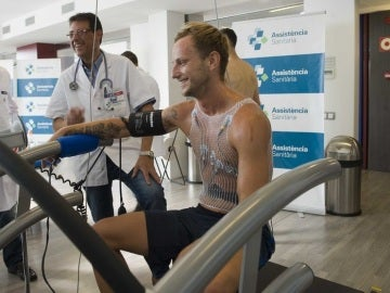 Rakitic pasa examen médico con el Barcelona