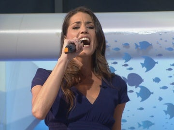 Laura Moure sorprende cantando en directo 'Summer nights' de Grease