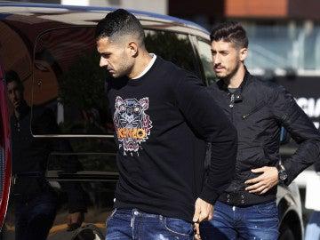 Vitolo junto a  Sergio Escudero
