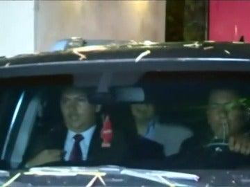 Zapatero visita a Leopoldo López en su residencia, donde permanece en arresto domiciliario