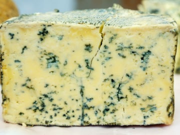 Medio queso de Cabrales