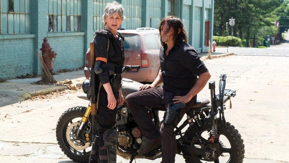 Primera imagen oficial de la octava temporada de 'The Walking Dead'