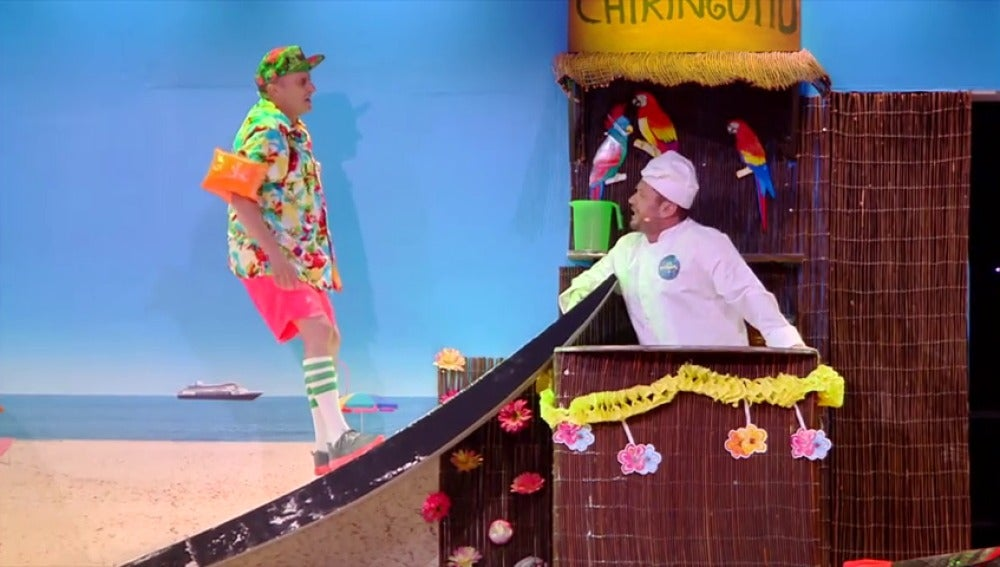 El Monaguillo se convierte en un famoso chef para superar el teatro de pendiente