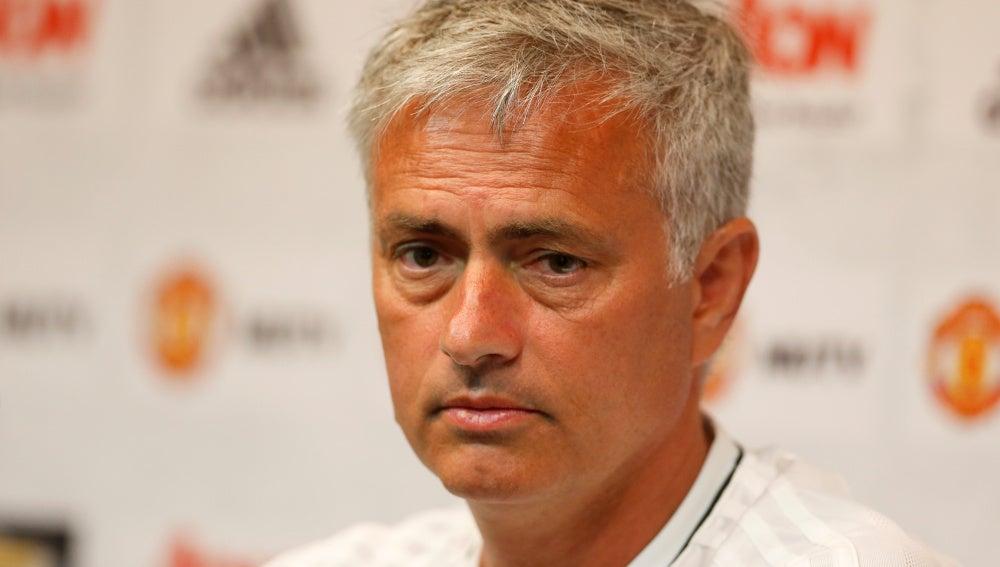 Mourinho, durante la conferencia de prensa